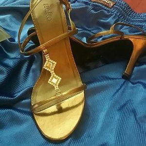 RIALTO BRONZE METALLIC strappy sandals.